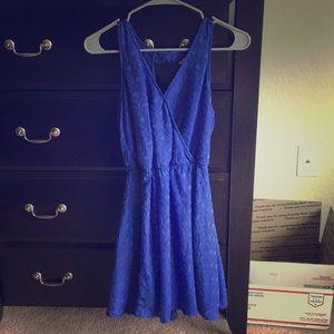 Cute blue dress with cute back cutout